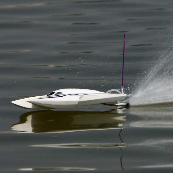 Bolt brushless motor R/C boat
